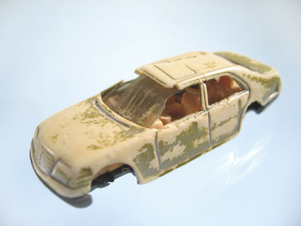 beach_plastic_car