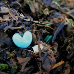 beach_plastic_bead_heart